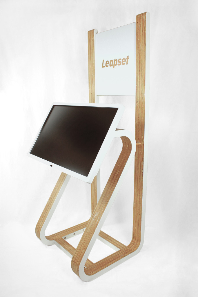 Touchscreen Stand 01